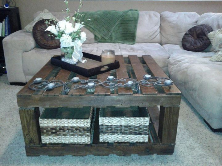 My Version Of The Pallet Table Made This For Only 10 Bucks Pallet Table Pallet Diy Coffee Table