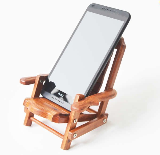Wooden beach deck chair desk mobile phone display holder