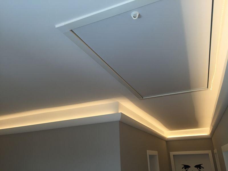 Exzellente Treppenhausgestaltung mit LED-Lichtgestaltung und mehr ...