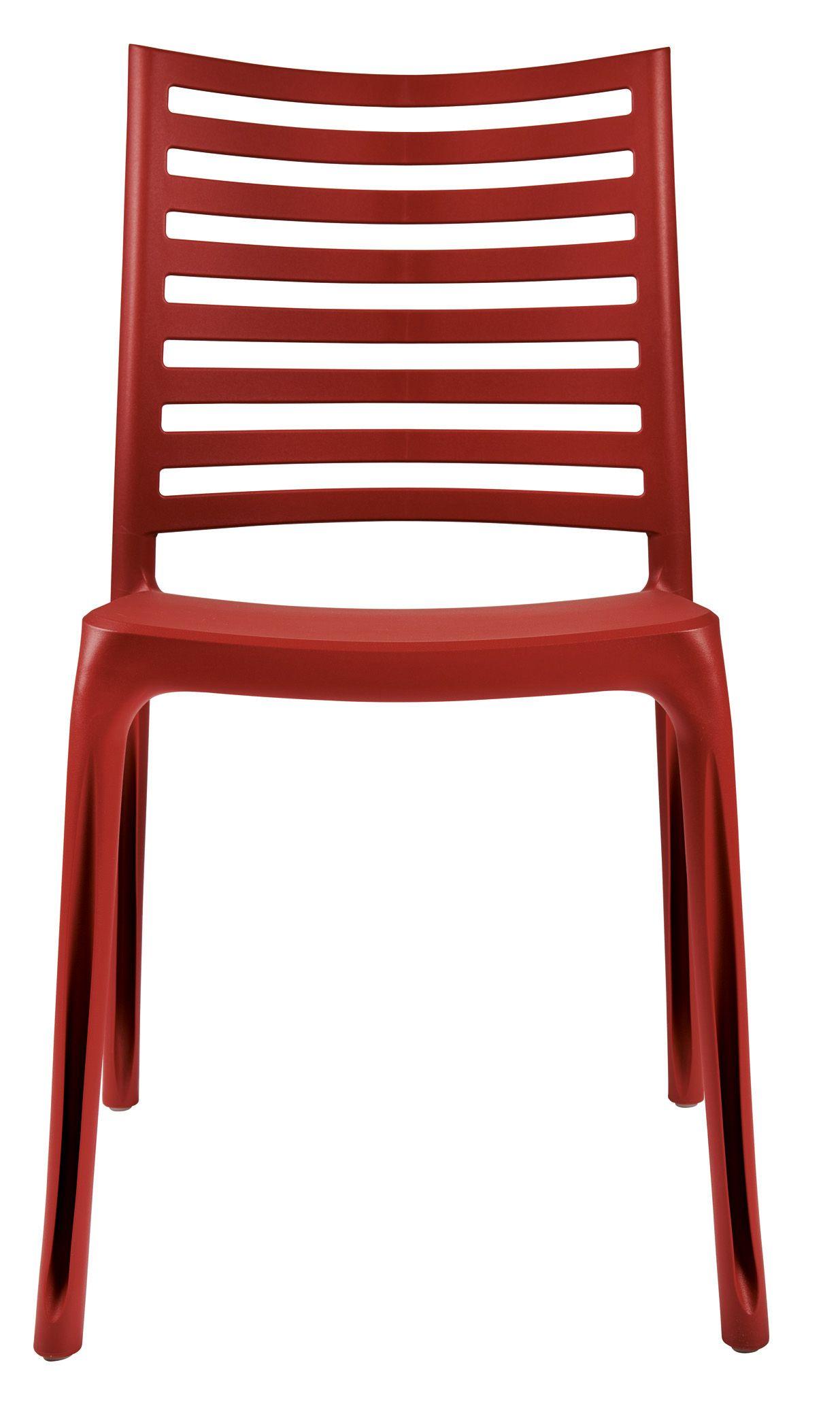 Lignes épurées, dossier ajouré, une chaise en résine au look ...