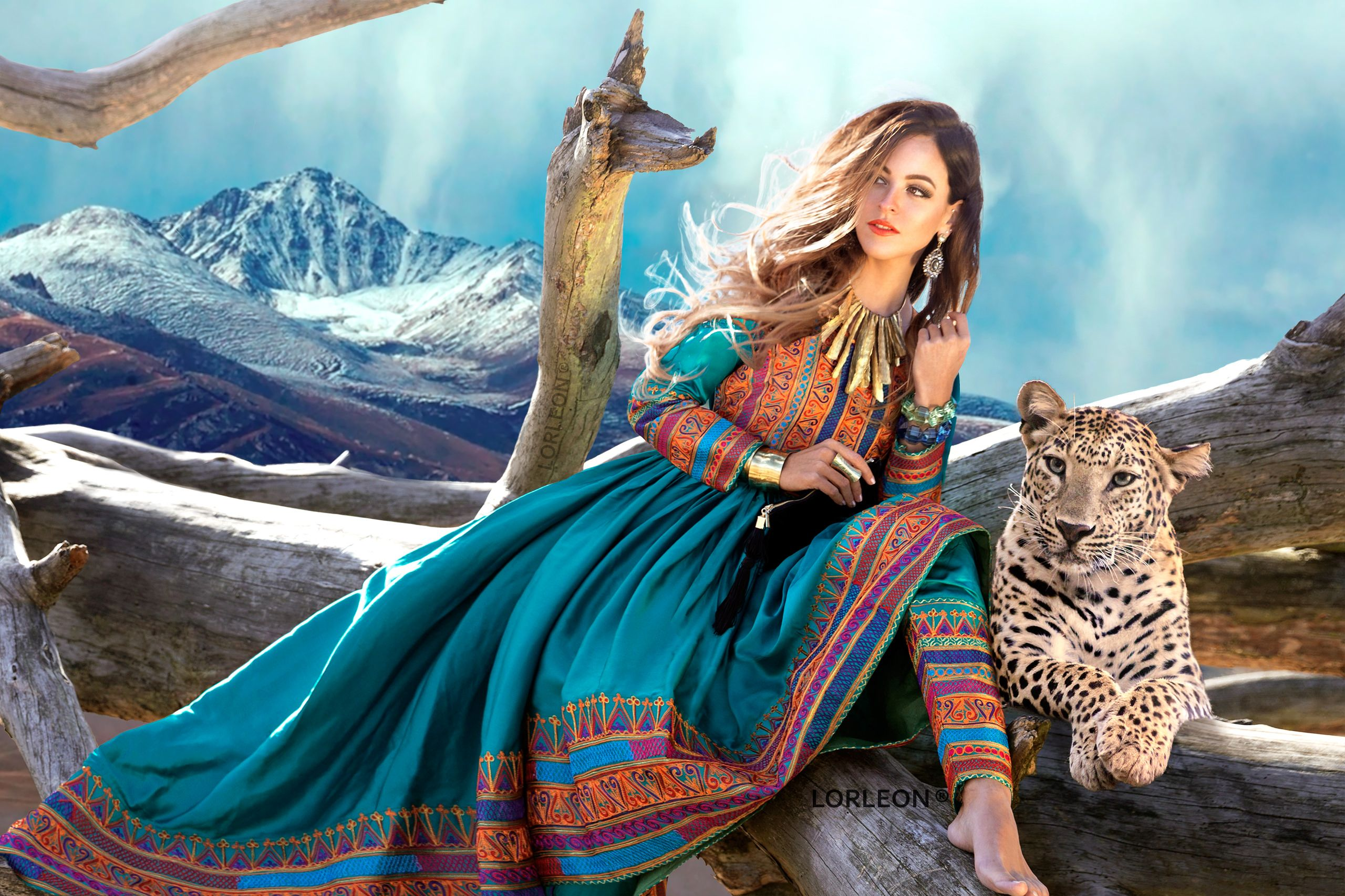 #hosnakohestani #afghan #afghanclothes #kuchi #designer #afghandress #parisfashionweek #afghandesigner #afghanistan #kabul #afghani #newkuchidress #bohemian #tribal #gypsy #afghandress2016