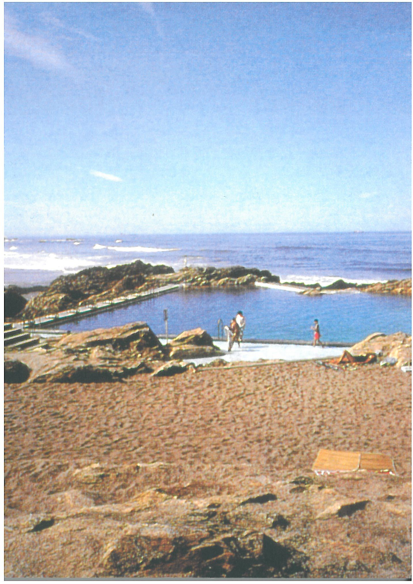 Post image for Piscina na Praia de Leça-A Pool on the Beach