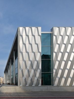 Bauhaus Berlin Halensee recognition of the german facade award for vhf 2015 bauhaus