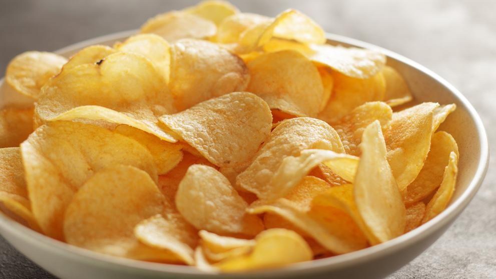 Cómo hacer patatas chips al microondas fáciles y crujientes