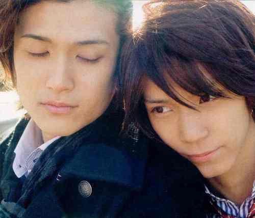 Kyousuke Hamao and Daisuke Watanabe as onscreen boyfriends.