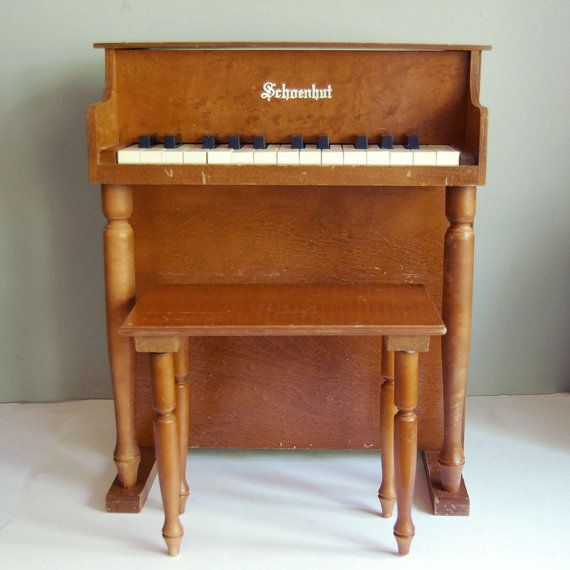 Vintage Schoenhut Toy Piano 25 Keys