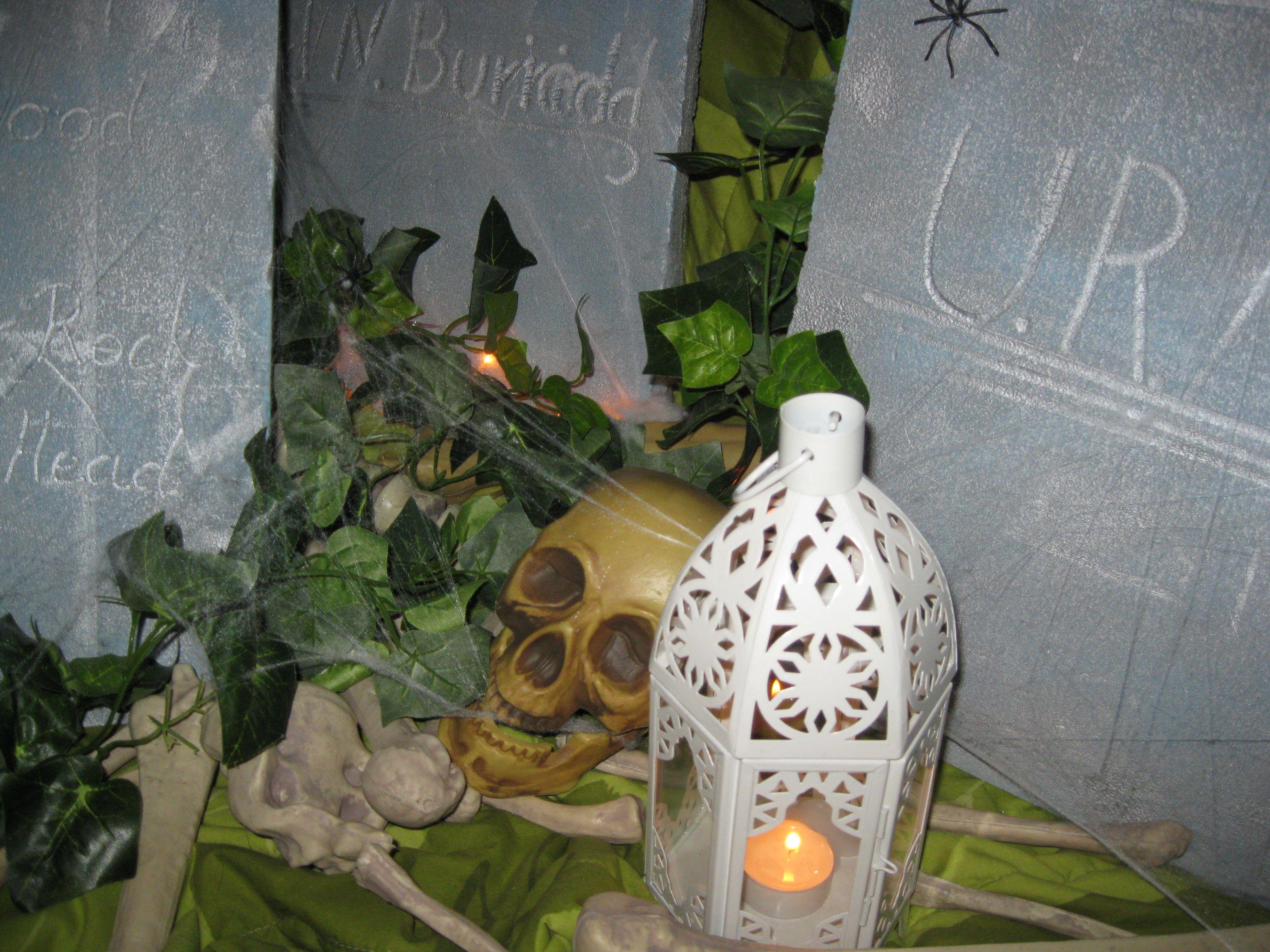 Hautakiviä sisätiloissa -2011