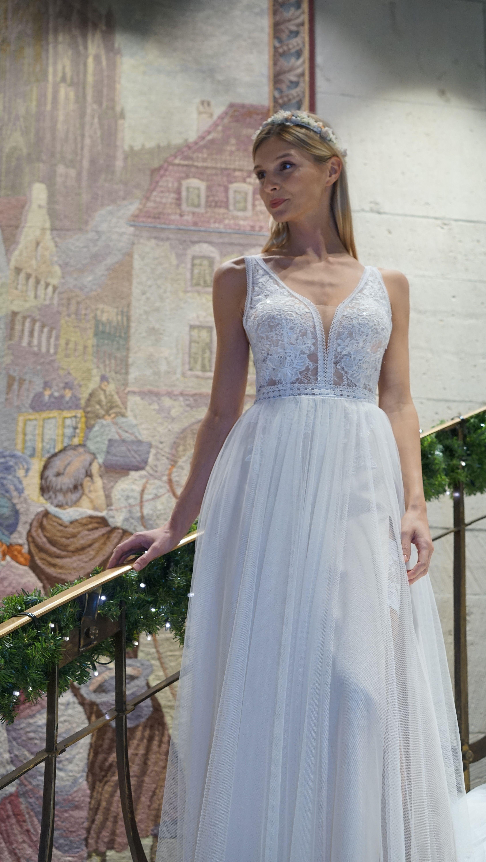 Barock Stil  Brautmode, Kleid hochzeit, Brautkleid ärmellos