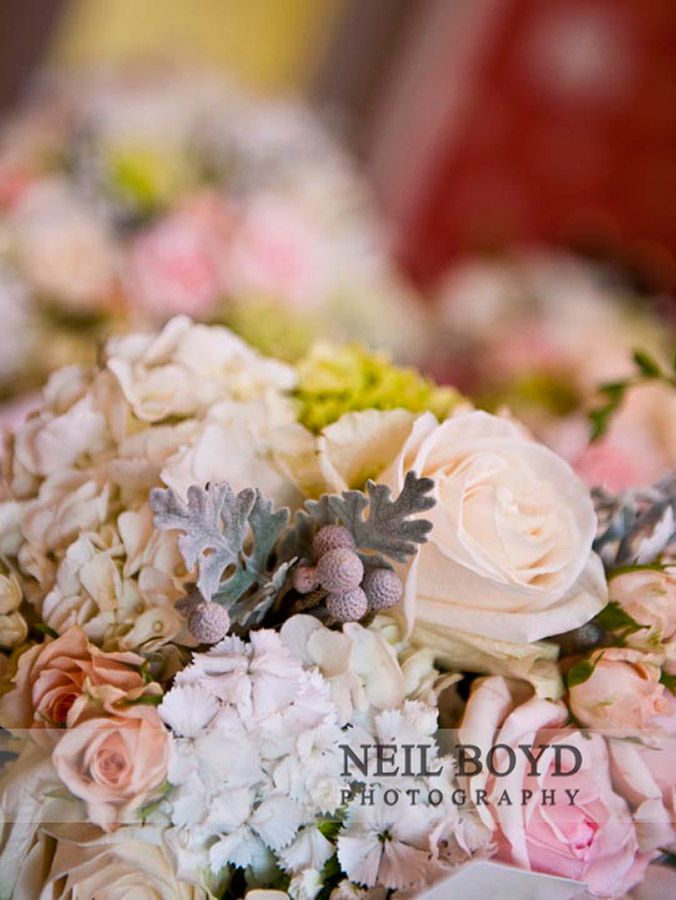 We love these beautiful colors together for wedding flowers