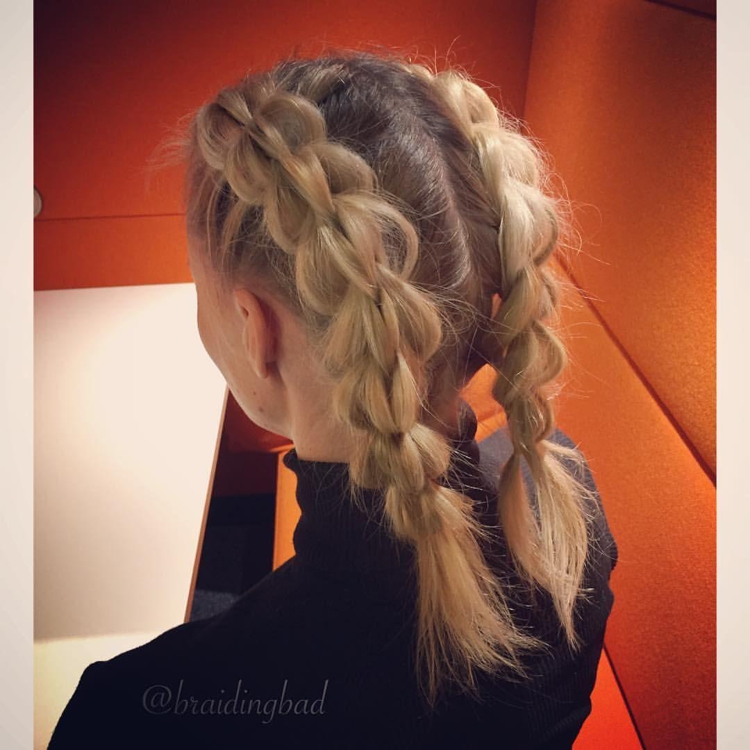 "141 tykkäystä, 6 kommenttia - Heli (@braidingbad) Instagramissa: ""Friday #pigtails ❤! ~ #perjantaikampaus ❤! . . #threestrandpullthroughbraid #3dpullthroughbraid…"""