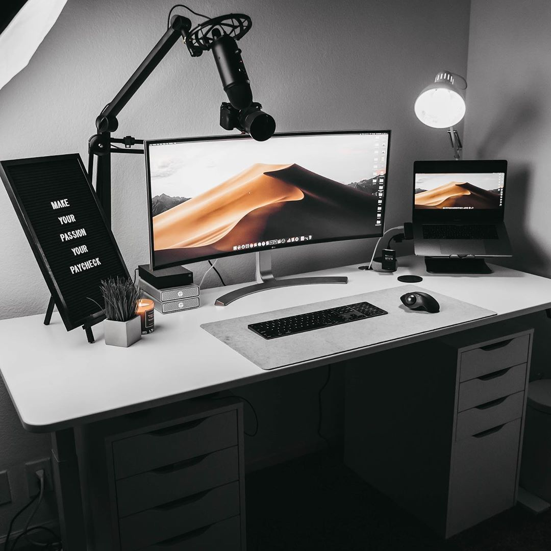 gordonly's set up is OfficeSpaceGoals 💯 Starting today