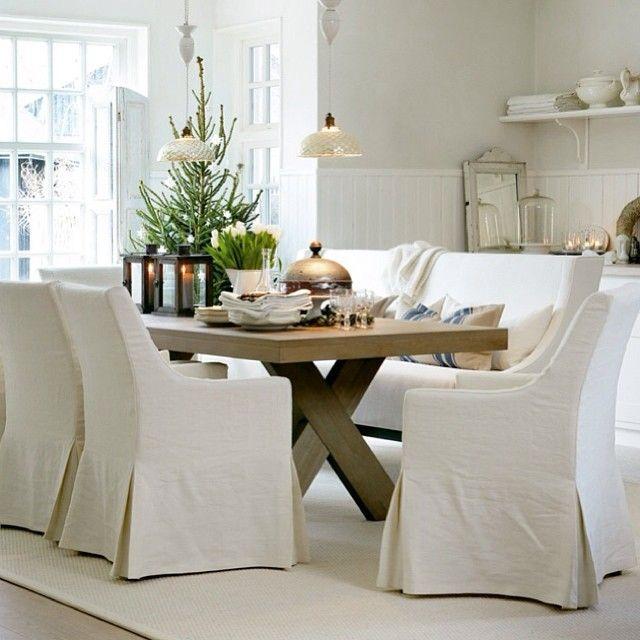 En hvit juledrøm i Skåne. York spisebord og Salome spisestol. #slettvoll #york #salome