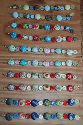 cute button bracelets!!