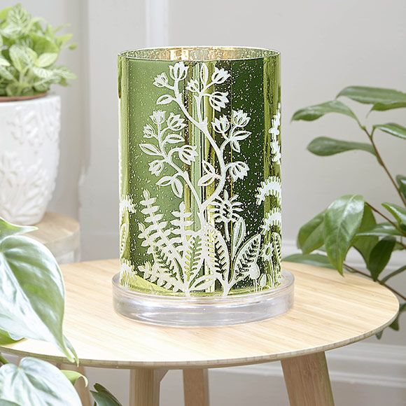 lasia vihre ulkopinta ja hopeanhohtoinen partylite spring 2017 pinterest lampe tempete. Black Bedroom Furniture Sets. Home Design Ideas