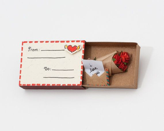 Cute Bouquet of Roses Miniature / Unique Valentine's Day Gift / Tiny roses / Handmade Roses / Tiny envelope / Gift for her