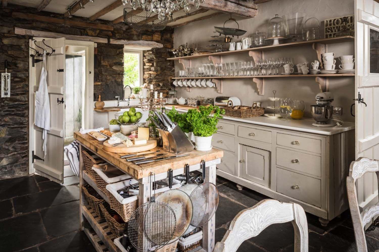 Shabby and Charme: Un meraviglioso cottage sul lago   Cozinhas ...