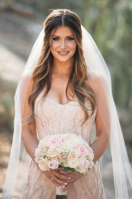Brautfrisuren mit schleier offene haare  Hochzeit in 2019