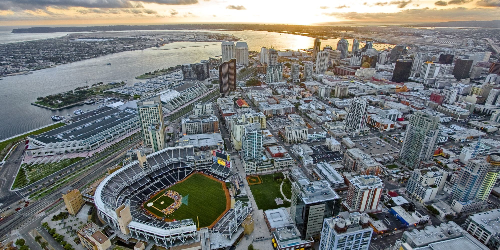 Downtown San Diego with its new Petco Park baseball ...