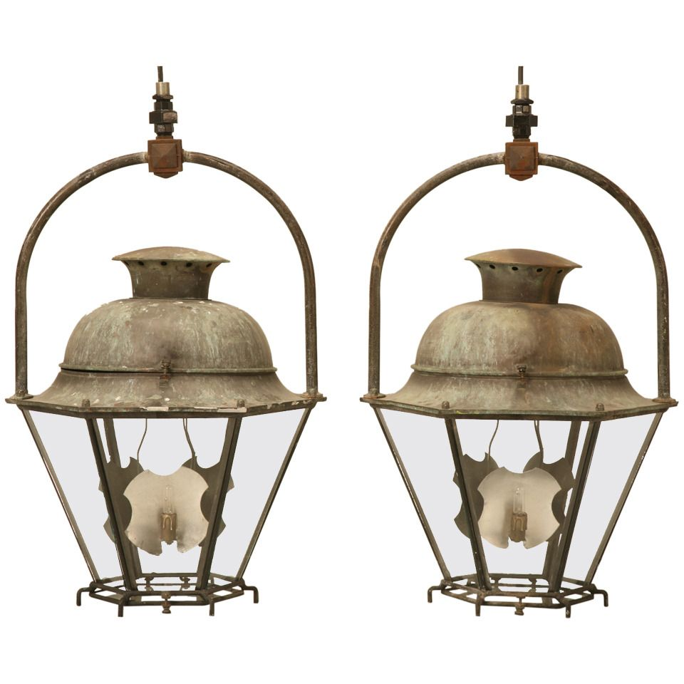 Pair Of Antique Copper French Lanterns In The 18th Century Style 1stdibs Com Copper Outdoor Lighting Lanterns Antique Copper