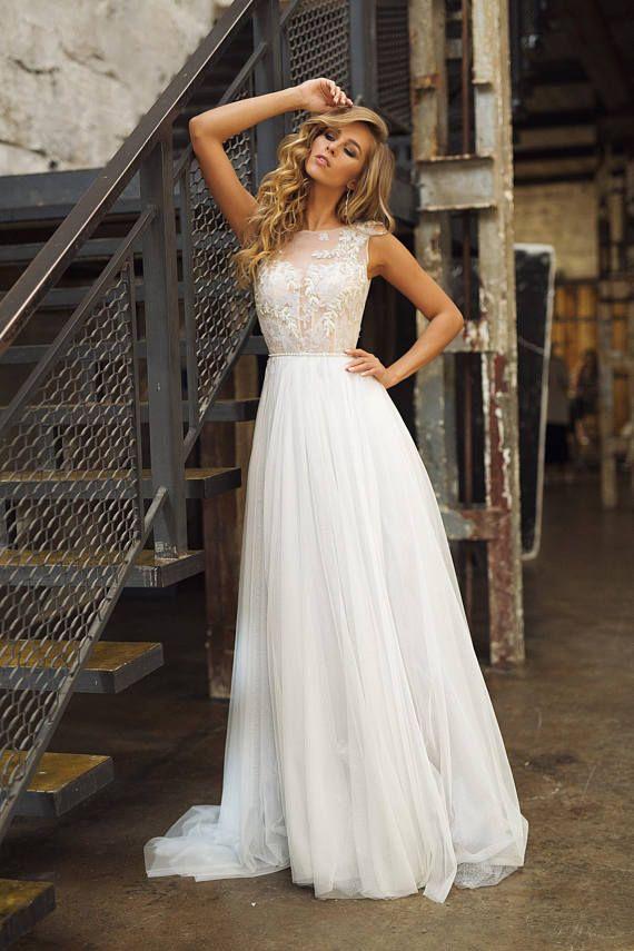 Brautkleid 'TUARIN' / / romantische a-Linie Brautkleid, exquisite handgefertigte Perlen, elegant