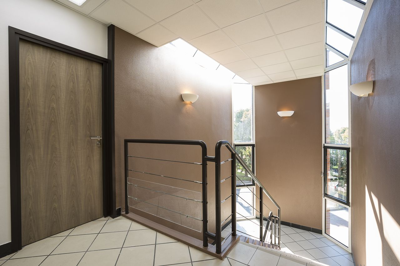 Cloison amovible h jc ré aménagement d un plateau de bureaux