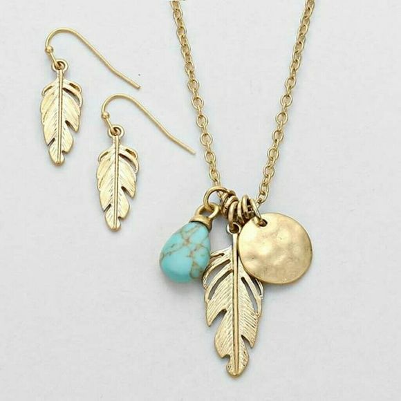 d8d4047c8 Gold disc, leaf and turquoise charm necklace set Gorgeous necklace set.  Trendy feather, circle disc and turquoise charm. Chain 16