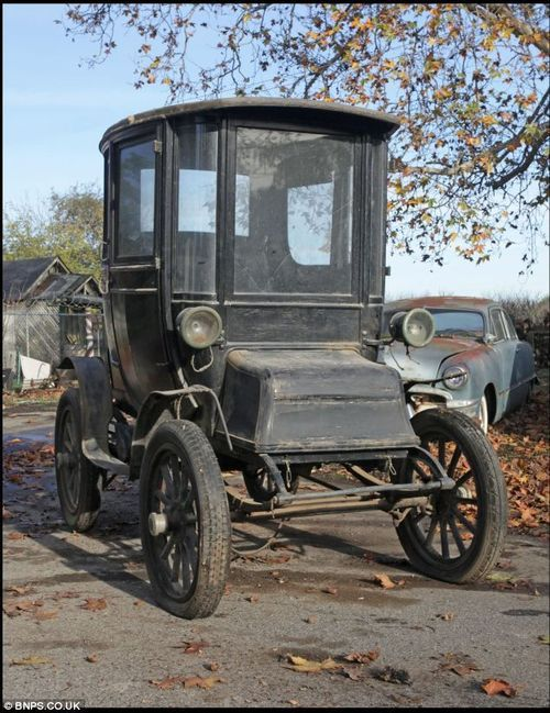 The 1910 Detroit Electric Model D Had A Range Of 100 Miles And