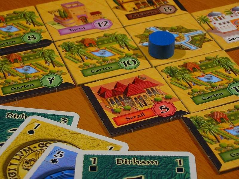 alhambra  a tileplacement game for 26 where you build a