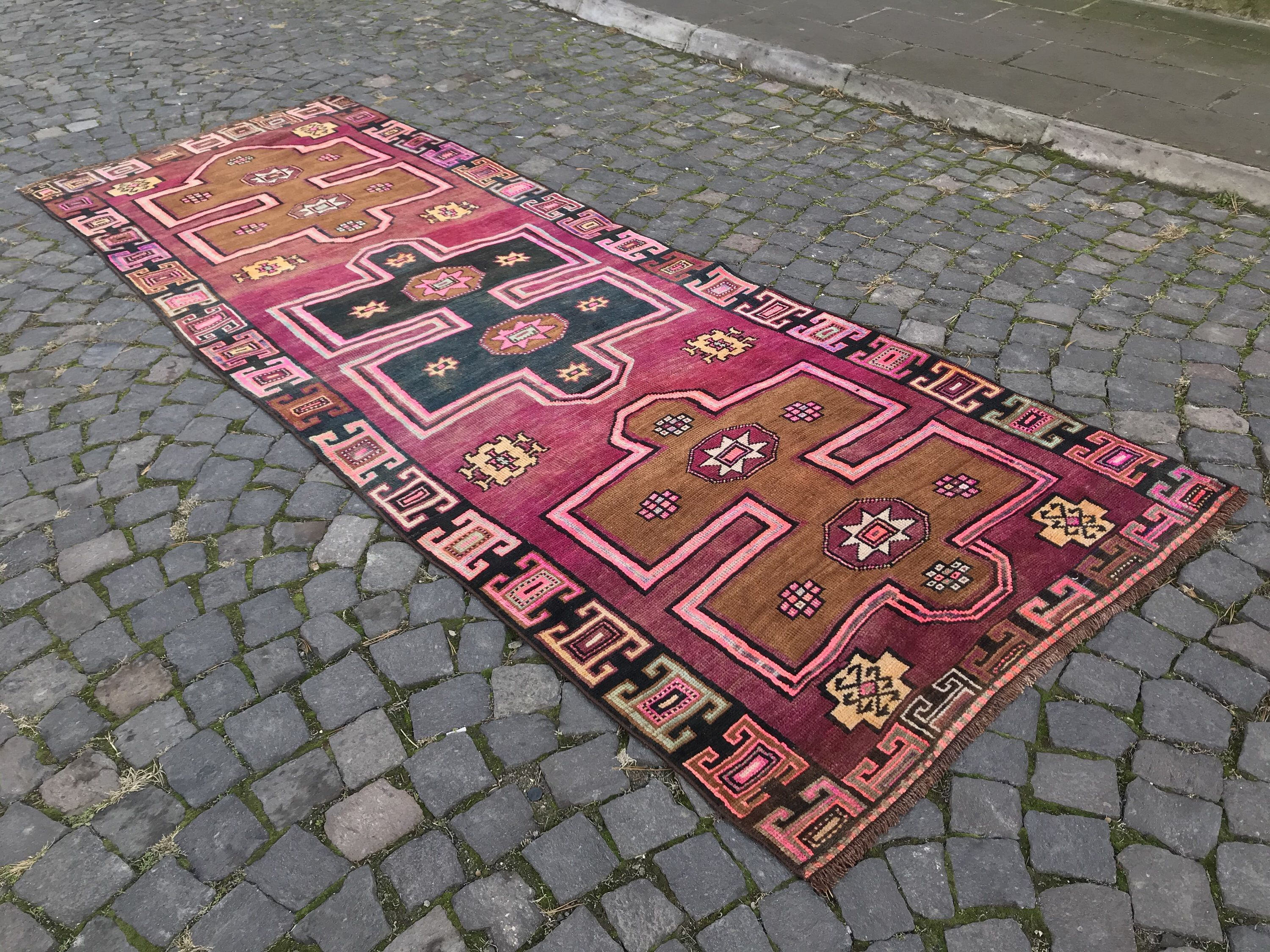 Turkish Oushak Runner 3 7 X 10 Ft Vintage Runner Rug Pink Runner Rug Kitchen Runner Rug Pink Hallway Runner Rug Bohemian Runner Turkish Rug In 2020 Turkish Runner Rugs Vintage Runner