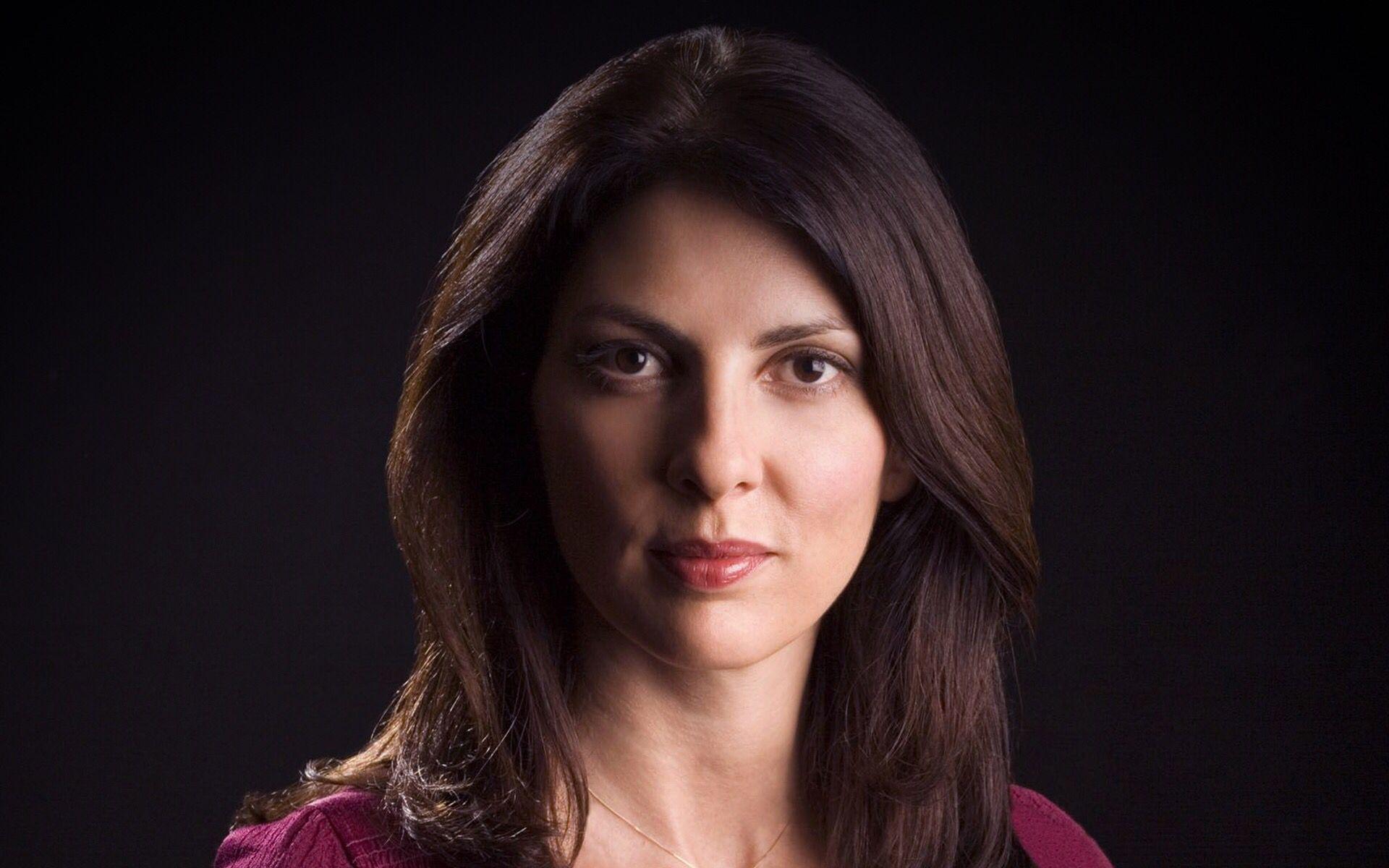 Gina Bellman (born 1966 (born in Auckland, New Zealand)