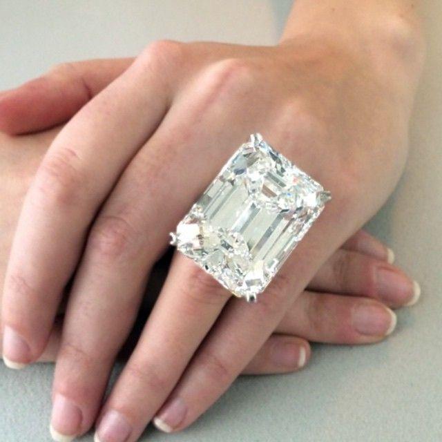The Ultimate Emerald Cut Diamond A 100 20 Carat D
