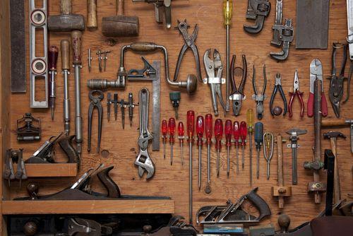 Comment Amenager Un Atelier Armoire En Bois Garage Atelier Outils Bricolage