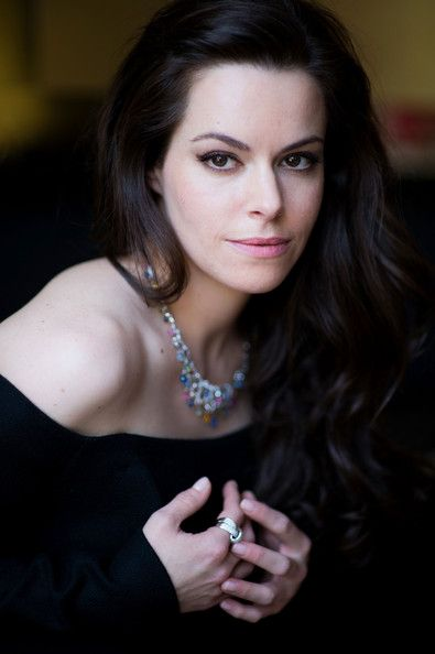 emily hampshire instagram