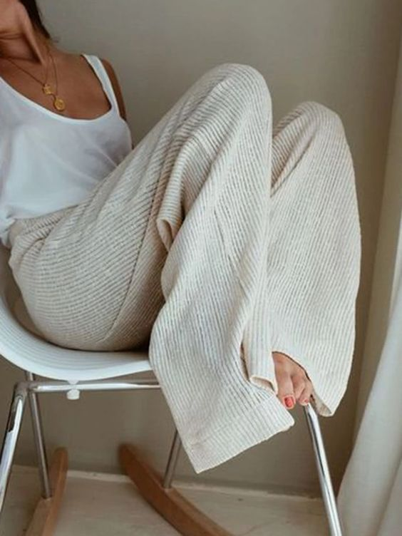 10 Women Home Pants to Wear If You Are Sick of Swe