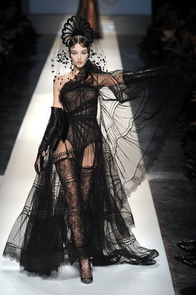 Photo of Jean Paul Gaultier Spring 2009 Runway Pictures
