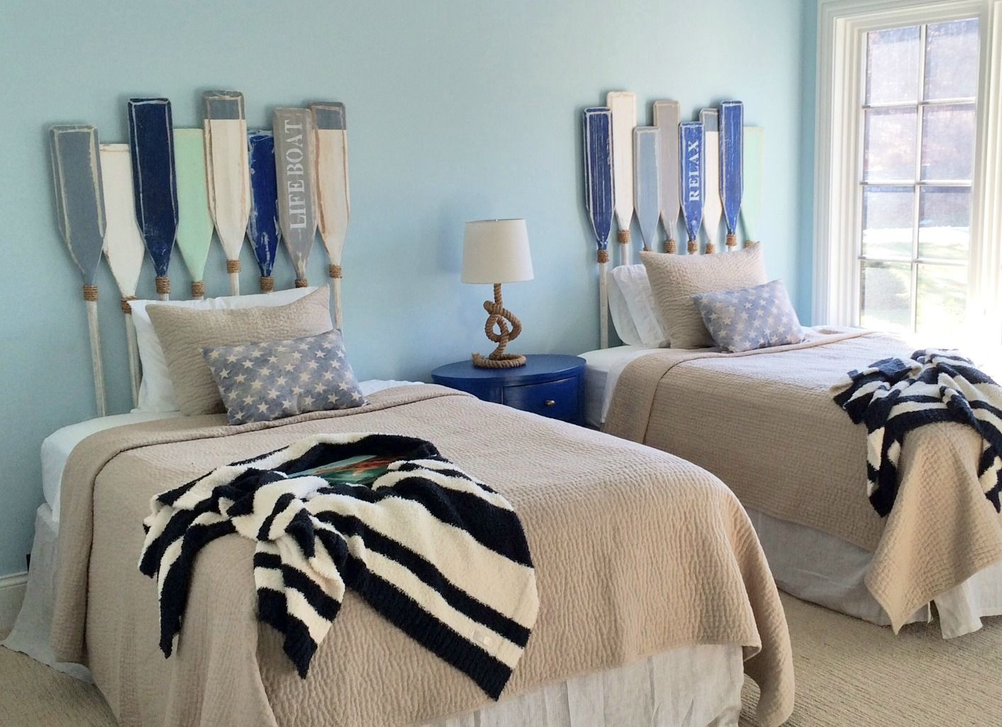 How Cool Is This Decorating Idea A Custom Built Beachy Guest Bedroom Headboard Created Out Of The Oa Beach Bedroom Decor Beach Bedroom Beach Theme Living Room