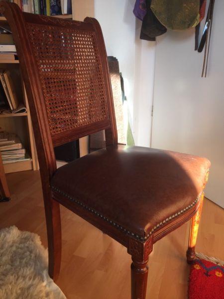 Antiker Stuhl Mit Korbsitzflache Shabby Vintage In Hessen Bad Vilbel Ebay Kleinanzeigen In 2020 Shabby Vintage Antike Stuhle Stuhle