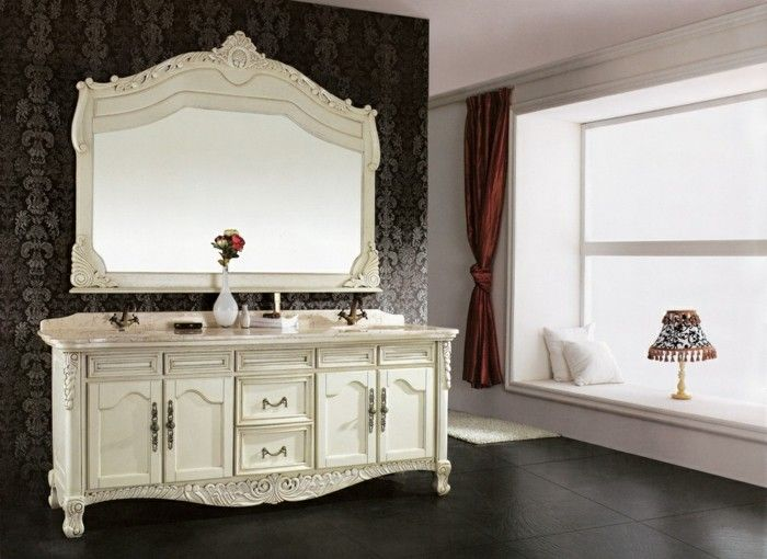 badspiegel antik schönes modell mit weißem rahmen Badezimmer Ideen - spiegel badezimmer mit beleuchtung