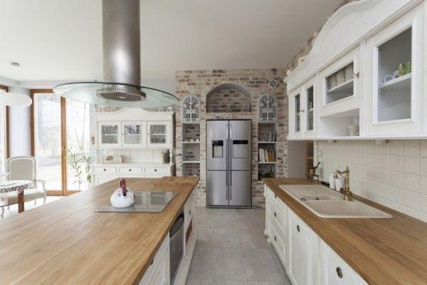 Moderne küchen mit halbinsel  Holzarbeitsplatten Küche l Form Halbinsel beige Wandfarbe Fliesen ...