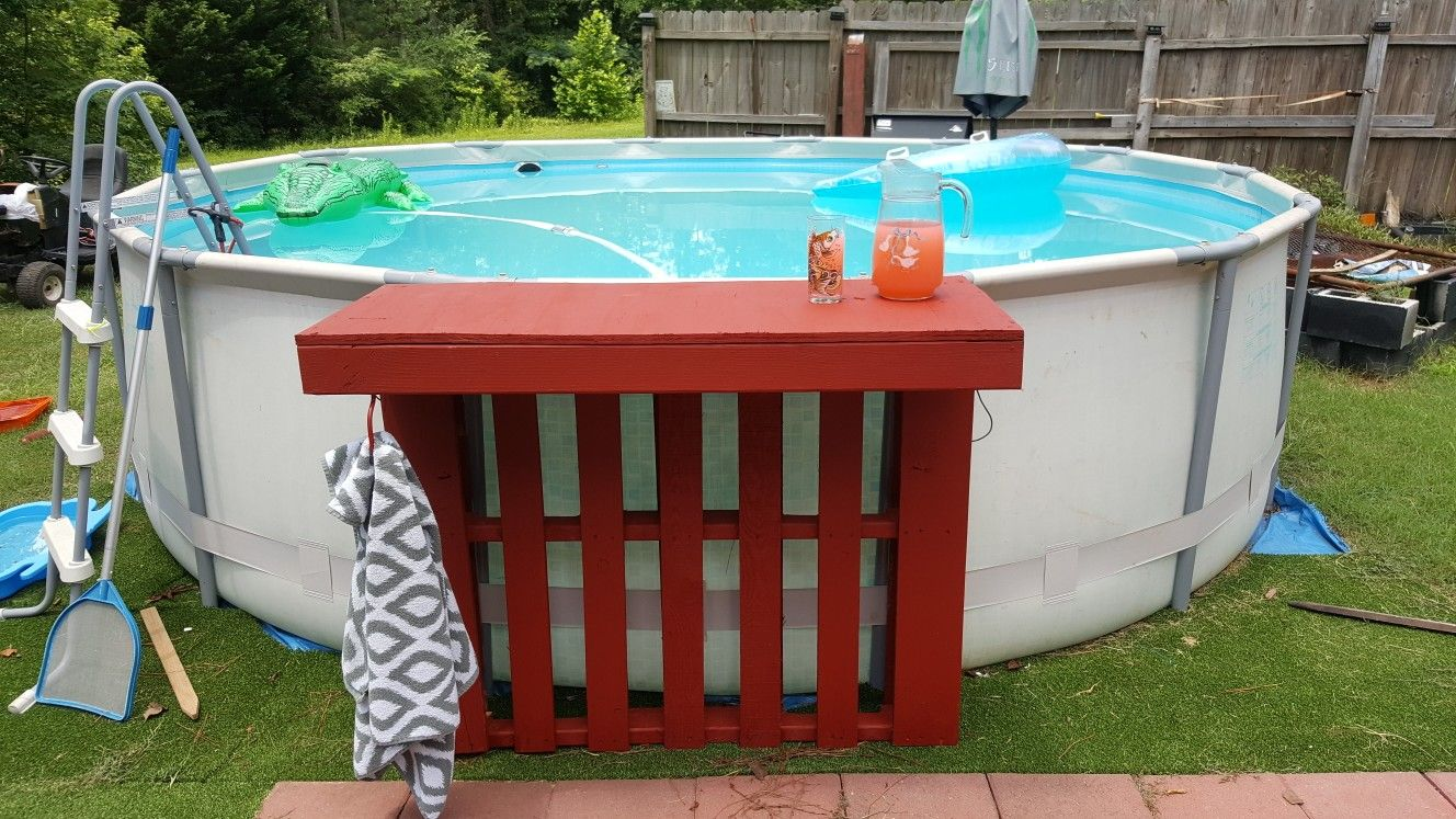 My Above Ground Pool Side Bar Top Pallet Diy Pool Side Bar Diy Pool Above Ground Pool Landscaping Diy backyard swim up bar