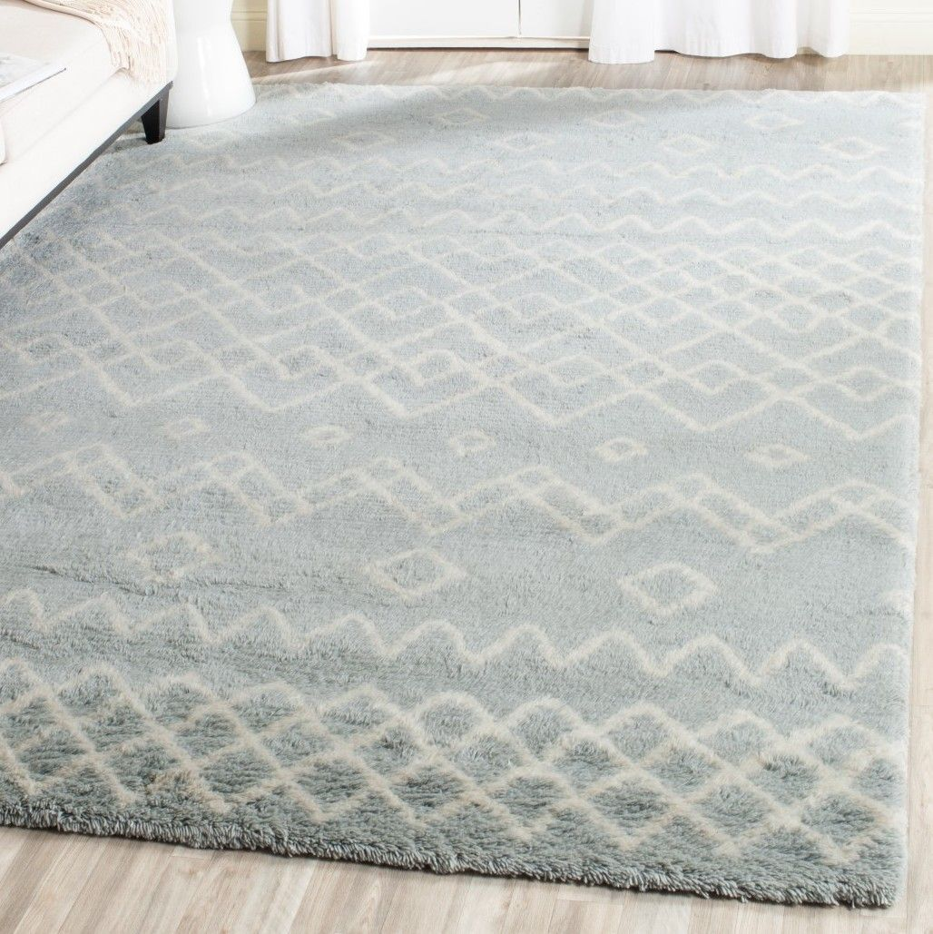 Casablanca Hand-Knotted Blue/Ivory Area Rug