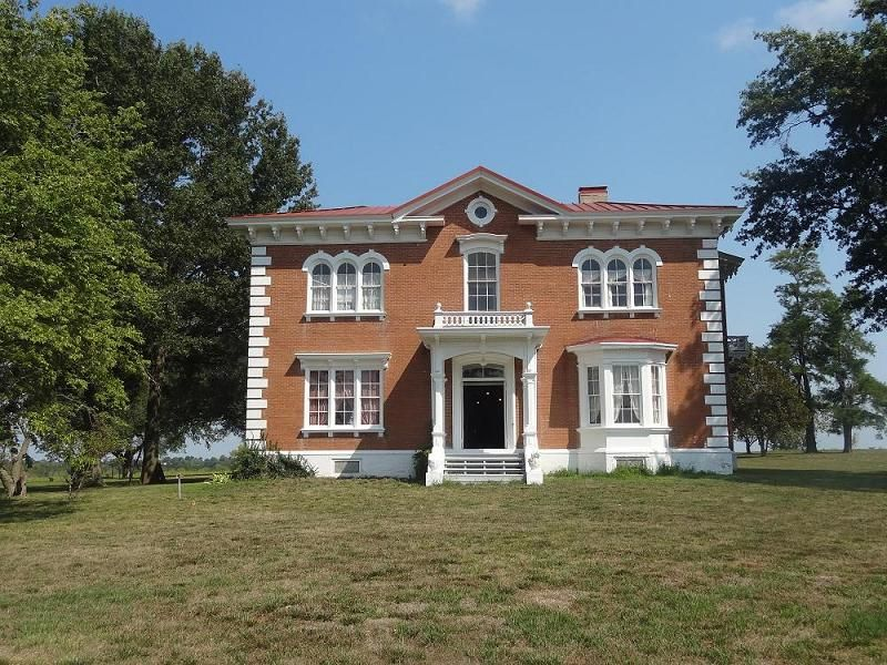 Linwood Lawn A 1858 Italianate Mansion Built By Banker And Slave Owner William Limerick Near Lexington In Lafayette County Missouri