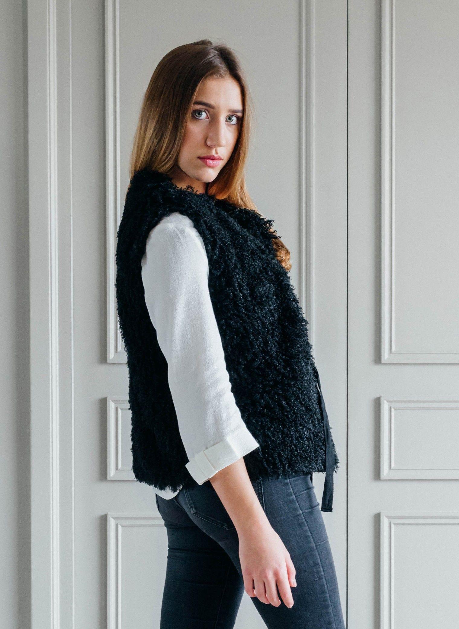 Gilet fausse fourrure noir femme fashion designs - Fourrure noir sans manche ...