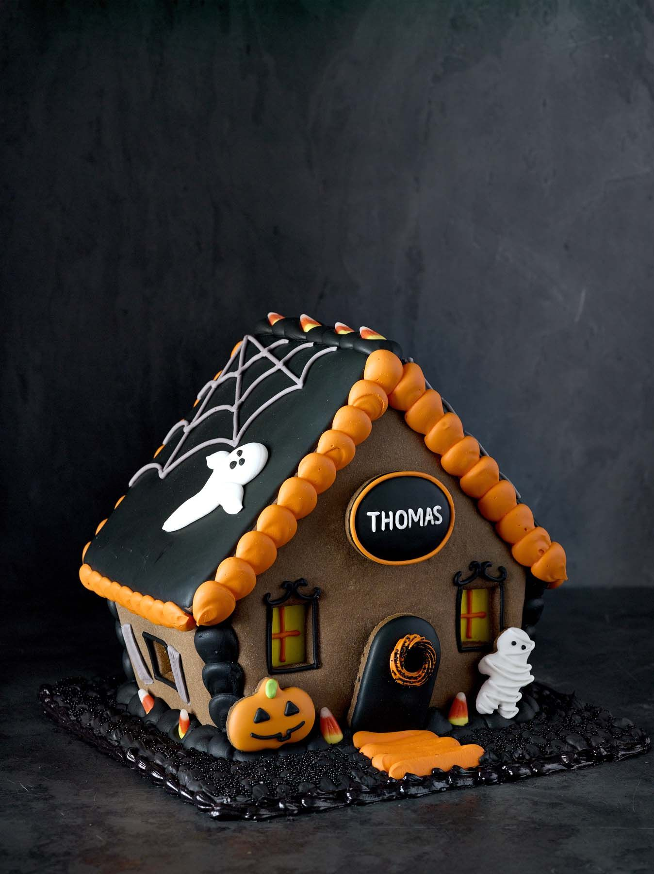 Halloween Gingerbread House | Happy Halloween! | Pinterest ... on haunted house moon, simple spooky house, inflatable haunted house, the scariest most haunted house, haunted irish houses, haunted houses in alabama, haunted houses in texas, haunted turkey house, the scarehouse haunted house, haunted gingerbread tree, fun spot orlando haunted house, ghostly manor haunted house, haunted house blank template, haunted winter house, animated haunted house, haunted victorian houses, raymond hill mortuary haunted house, cartoon haunted house, haunted cookie house, haunted family house,