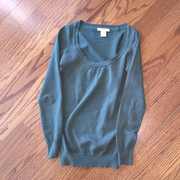 Hunter green Charlotte Russe sweater size small Hunter green Charlotte Russe sweater size small Charlotte Russe Sweaters Crew & Scoop Necks