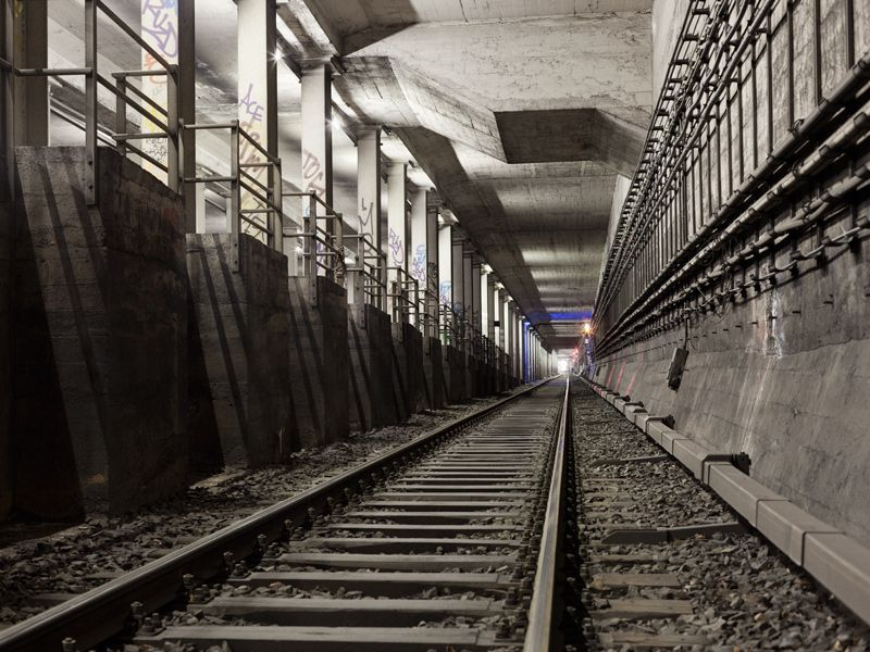 http://www.timostammberger.com/files/gimgs/8_timo-stammberger-photography-subway-tunnel-berlin-09.jpg