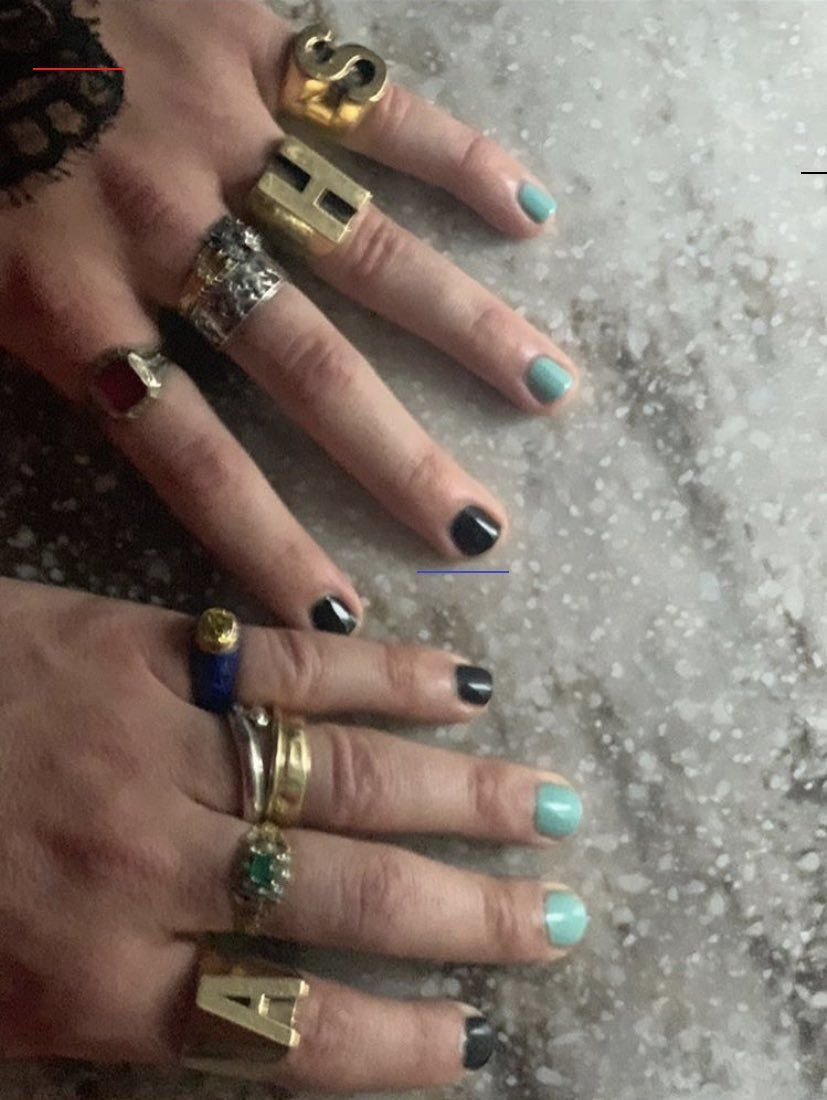Harry Styles Nails Harry Styles Harrystylesaesthetic In 2020 Harry Styles Tattoos Harry Styles Hands Fashion Nails