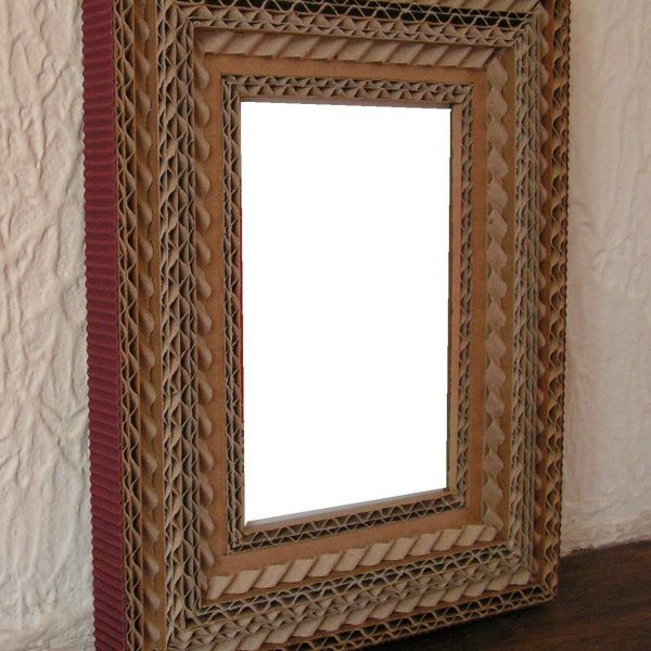 cadre en dentelle de carton et carton ondul marron carton pinterest carton ondul carton. Black Bedroom Furniture Sets. Home Design Ideas
