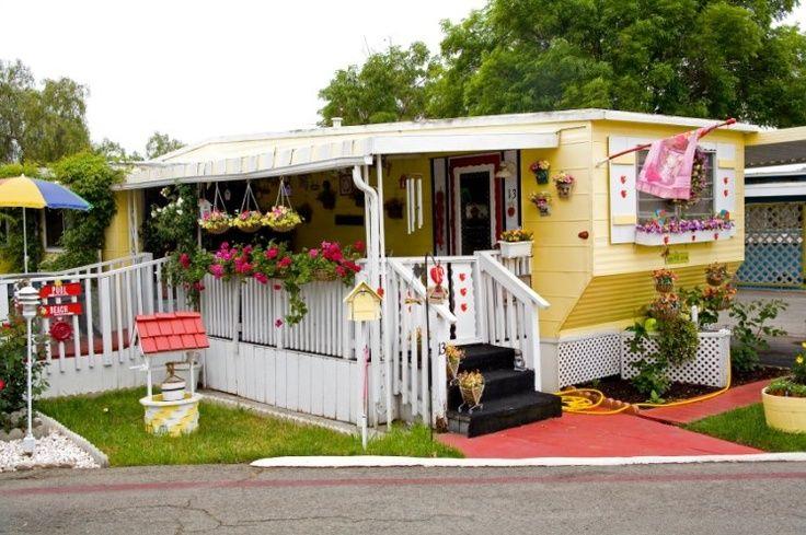 Vintage möbel  VINTAGE MOBEL HOMES | Vintage Mobile Homes | Great way to go ...