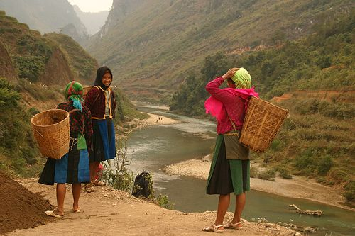 Northern Vietnam - White h'mong  (by Retlaw Snellac).